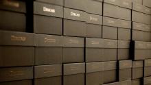 Anno: 2011<br /> <br /> Doucals dal 1973 realizza calzature di alto livello Made in Italy. La sua produzione ha sede a Montegranaro, polo di fama internazionale per il settore delle calzature.<br /> <br /> In questo video Gianni Giannini, product manager e figlio del fondatore&nbsp;dell'azienda ci mostra come queste scarpe vengono realizzate da attenti e preparati maestri del settore. <br /> <br /> Agenzia / Ideazione prodotto: Nico Petrelli Studio www.nicopetrelli.com<br /> <br /> Video: Marco Poderi&nbsp;