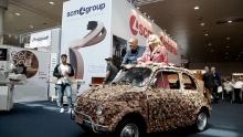Anno: 2015<br /> <br /> SCM Group alla fiera Ligna 2015 di Hannover ha presentato un imponente stand anche per la sua linea Minimax. Fulcro dell'attenzione &egrave; stata la 500Kube realizzata dall'artista Molinari.<br />