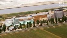 Anno: 2007<br /> <br /> Questo video &egrave; stato realizzato in occasione dei 60 anni di attivit&agrave; dell'azienda Agroalimentare Monaldi S.p.a. <br /> Agrimon &egrave; la parte del gruppo che ha sede in Romania e che cura la produzione locale in quello stato. <br /> Dal punto di vista realizzativo sono interessanti nel video le riprese aeree.<br /> <br /> Agenzia:Zoom Associati / Retina Group<br /> Video: Marco Poderi / Raffaele Mariotti