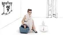 Anno: 2013<br /> <br /> Le Monde Du Reve produce accessori di moda: borse, scarpe, orecchini e altro, sempre con uno stile elegante e personale. Il video introduce la nuova collezione Spring/Summer 2013. La campagna pubblicitaria, per la quale Marco Poderi Studio ha curato l'art direction, &egrave; andata anche sulla versione cartacea della prestigiosa rivista Vogue.&nbsp;   Rega e montaggio: Marco Poderi<br /> Modella: Laura Purcaro<br /> <br /> Credits completi a fine video.&nbsp;
