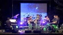 Anno: 2009<br /> <br /> Il progetto The Pleasure Is All Mine &egrave; basato sulla reinterpretazione live di brani di Bj&ouml;rk con una ensemble di musicisti di altissimo spessore.<br /> <br /> Il concerto si articola in circa quindici composizioni edite reinterpretate in chiave interamente strumentale, per circa un&rsquo;ora e mezza di spettacolo.<br /> <br /> Gli arrangiamenti tendono a mantenere intatte tutte le caratteristiche e le intuizioni delle composizioni originali.<br /> <br /> Il progetto ha una duplice finalit&agrave;: da un lato nasce per favorire la comprensione e l&rsquo;assimilazione di un linguaggio moderno ed innovativo, come quello dell&rsquo;autrice, da parte degli esecutori e del pubblico; dall&rsquo;altro, il concerto vuole essere l&rsquo;embrione di uno spettacolo multimediale molto pi&ugrave; ampio, che si sviluppi tramite l&rsquo;integrazione di progetti artistici paralleli.<br /> <br /> Nonostante la natura open-source renda il progetto aperto a collaborazioni e sperimentazioni, esso si presta gi&agrave; ad essere portato in scena nella versione base, quella presentata dal dvd.   Un progetto di Claudio Zappi   Video: Marco Poderi   Camera: Patrizio Agabiti<br /> Camera: Lorenzo Lucchini<br /> Camera: Marco Poderi<br /> <br /> Marco Postacchini<br /> &gt; sassofoni <br /> &gt; faluto traverso<br /> <br /> Lucia Santinelli<br /> &gt; flauto traverso<br /> <br /> Marco Agostinelli<br /> &gt; flauto contralto in sol<br /> <br /> Massimo Morganti<br /> &gt; trombone<br /> <br /> Andrea Greganti <br /> &gt; clarinetto basso<br /> <br /> Marco Pierini<br /> &gt; vibrafono<br /> &gt; percussioni<br /> <br /> Paolo Berluti <br /> &gt; pianoforte<br /> &gt; clavietta<br /> <br /> Claudio Zappi<br /> &gt; basso el.<br /> &gt; arrangiamento <br /> &gt; efx<br /> <br /> Giorgio Bartoloni<br /> &gt; batteria<br /> <br /> Manuel Volpe<br /> &gt; fonico <br /> &gt; elaborazione audio